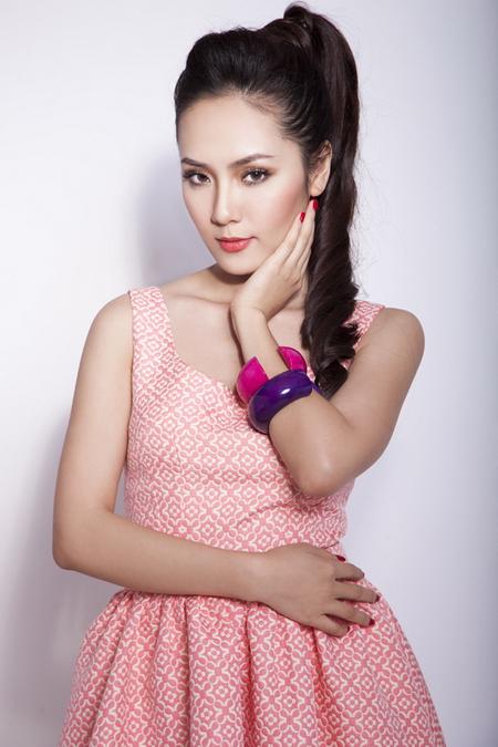 Ca sĩ Phương Linh tham gia đêm nhạc