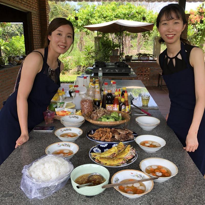 """Tham gia chương trình """"Một ngày làm người Cam Ranh"""", du khách được trải nghiệm cuộc sống ở miền quê Việt Nam cùng một gia đình địa phương có những đặc điểm phù hợp với gia đình mình."""