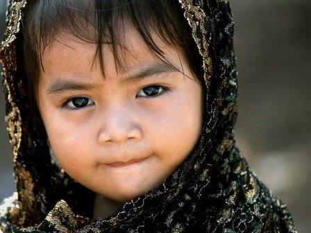 Chiếc khăn Ma-aom gắn liền với phụ nữ Chăm từ thủa nhỏ