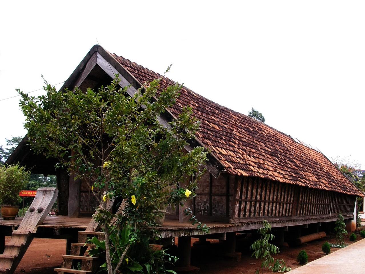 Ngôi nhà dài của người Ê Đê ở Đắk Lắk