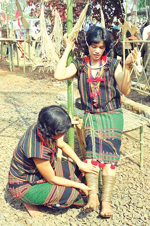 Trang phục dân tộc  M'nông
