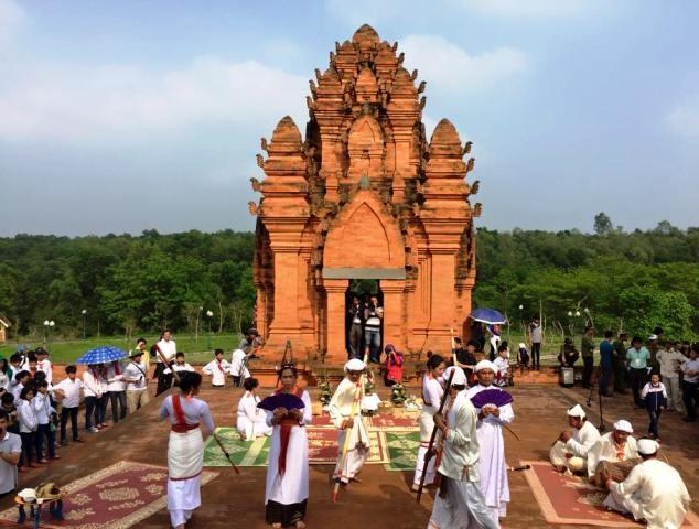 Lễ hội Rija Praung diễn ra tại Làng Văn hóa Du lịch các dân tộc Việt Nam