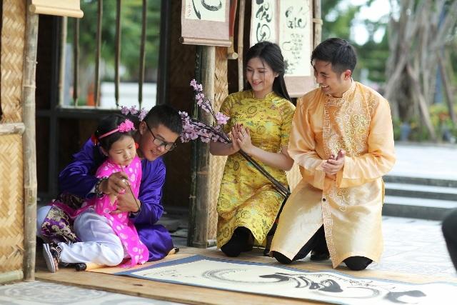 Lễ hội hoa mai vàng sắc Xuân