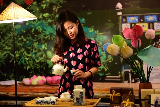 Nhiều loại trà quý hiếm giới thiệu tới du khách