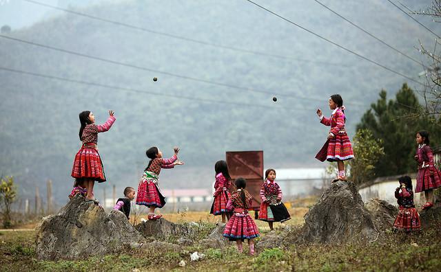Độc đáo hội còn ngày xuân của người Mông